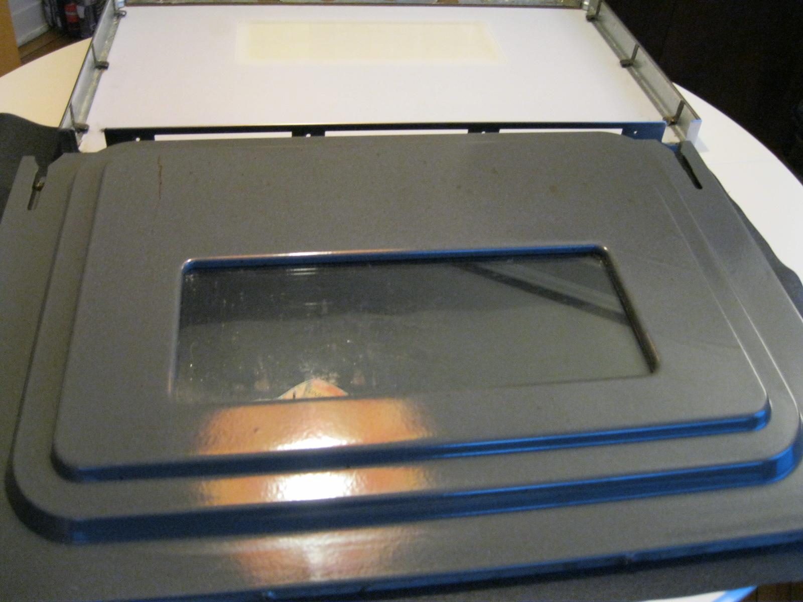 d coration 101 et diy comment d monter une vitre de po le pour la nettoyer. Black Bedroom Furniture Sets. Home Design Ideas