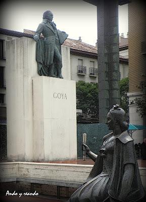 Escultura de Goya en Zaragoza