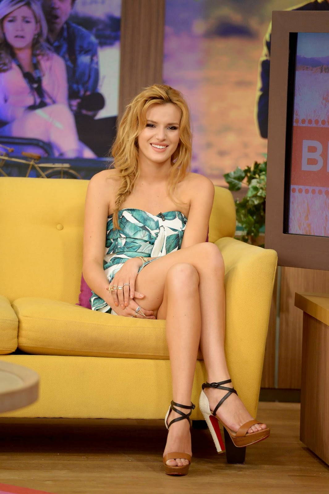 "Bella Thorne Looking Gorgeous on ""Despierta America"" in Miami photos"