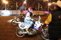 Manobras radicais desempenhada por exímios motociclistas encantaram e divertiram os visitantes