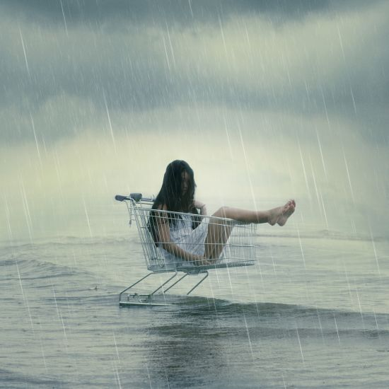 Kylie Woon fotografia photoshop surreal solidão melancolia Mercadoria