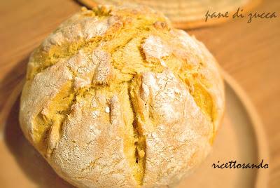 Pane di zucca ricetta di pane lievitato con lievito madre e lievito di birra
