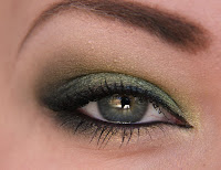 green makeup look
