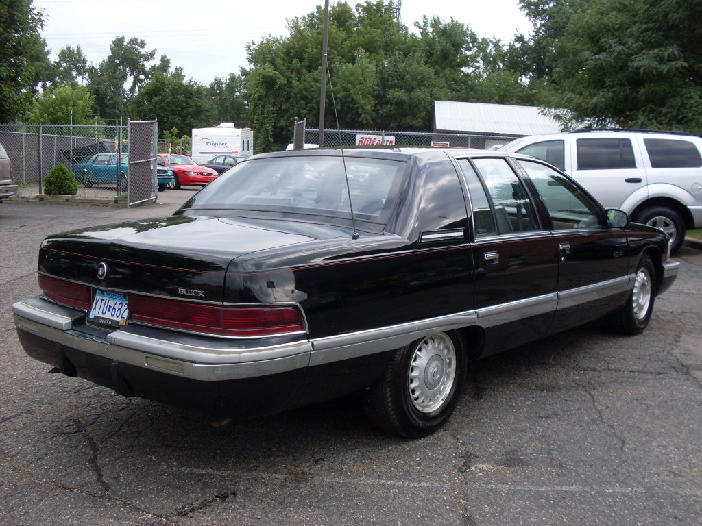 Ride Auto 1995 Buick Roadmaster 2