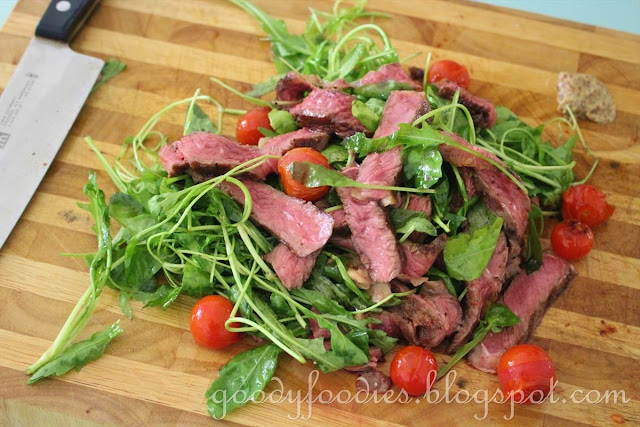 GoodyFoodies: Recipe: Warm Steak Salad with Cherry Tomatoes & Rocket