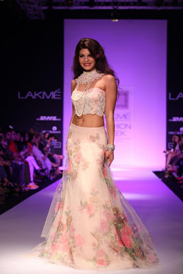 Jacqueline Fernandez,Jacqueline Fernandez latest wallpaper,Jacqueline Fernandez hot wallpaper,Jacqueline Fernandez sexy wallpaper,Jacqueline Fernandez unseen pics,Jacqueline Fernandez latest wallpaper gallery 2013