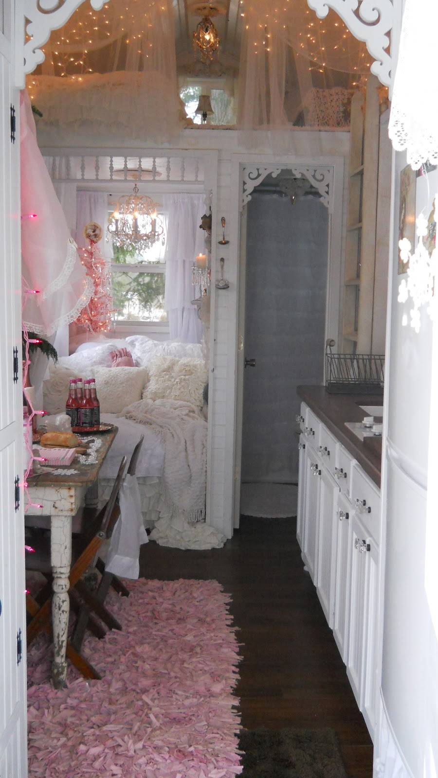 shabby chic tiny retreat my tiny house christmas 2012. Black Bedroom Furniture Sets. Home Design Ideas
