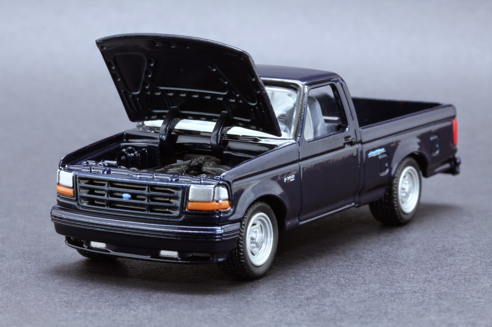 Diecast Hobbist  1993 Ford F