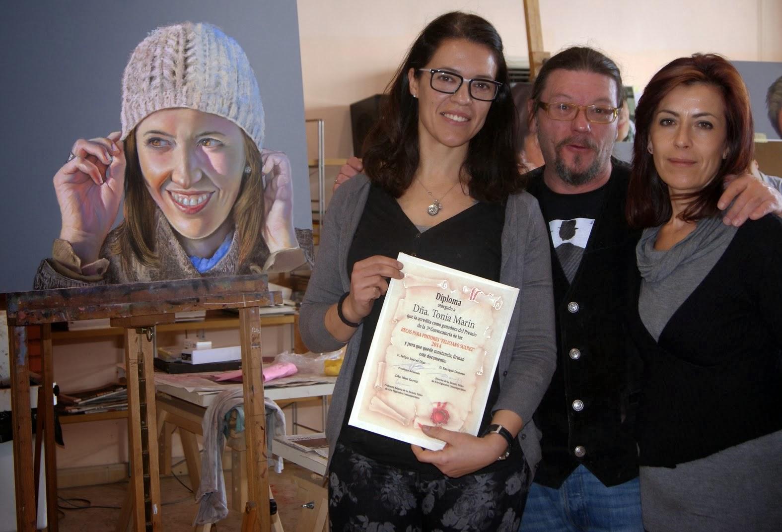"Tonia Marín, ganadora del Premio Becas para Pintores ""Feliciano Suárez"" 2014"