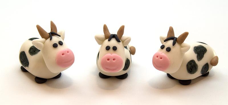 Cow fondant figurines