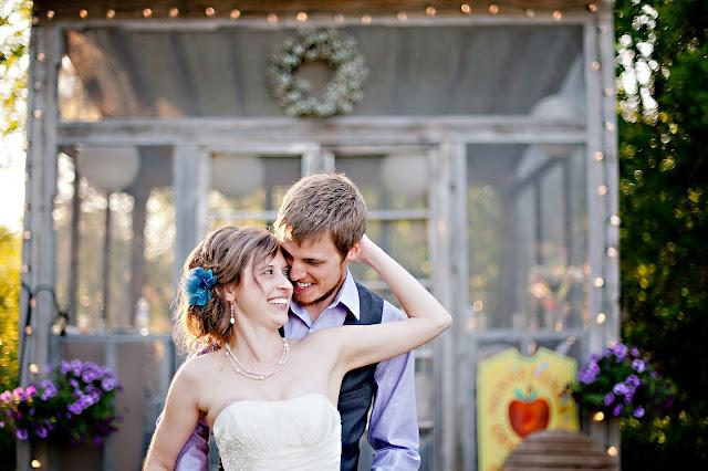 andrea+jord+6 Jordan & Andrea { Minnetonka Orchard Wedding }