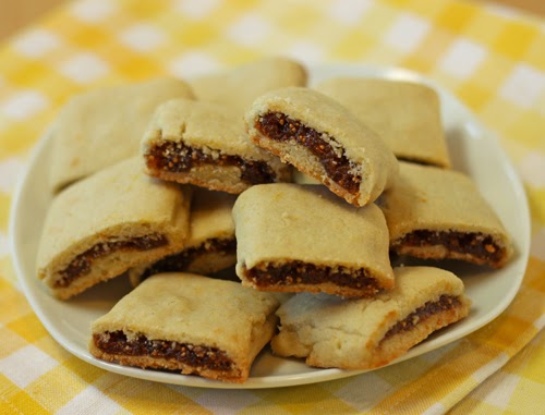 http://www.ohnuts.com/blog/homemade-fig-newtons-recipe/