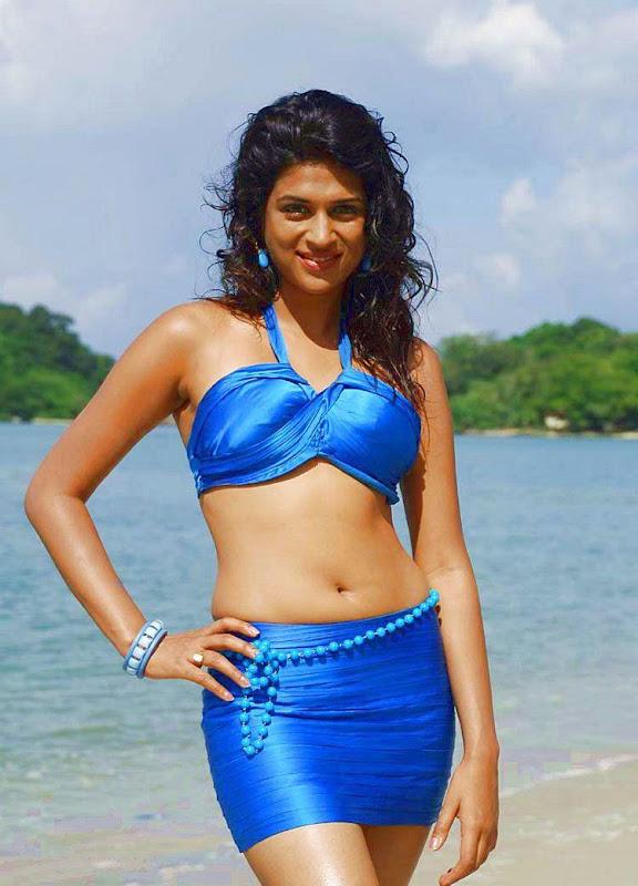 Shraddha Das HOT Navel Stills hot images