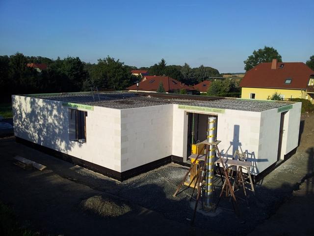 anita dirk s bautagebuch winkelbungalow rohbau vorbereitung betondecke terrassens ule. Black Bedroom Furniture Sets. Home Design Ideas