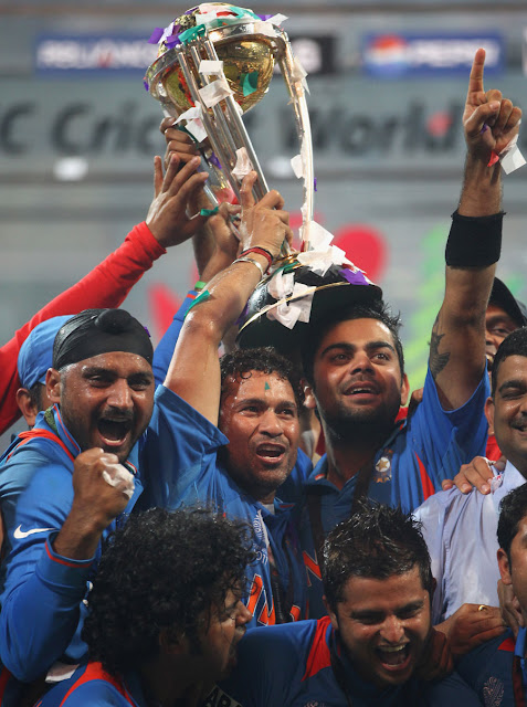 sachin world cup 2011 final images. sachin world cup 2011 final