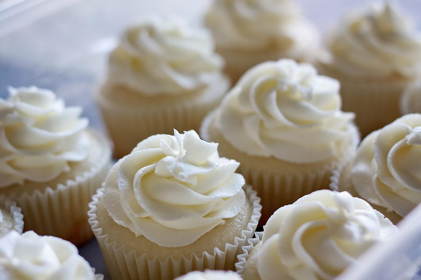 Simply Cupcakes White Wedding Cake Cupcakes