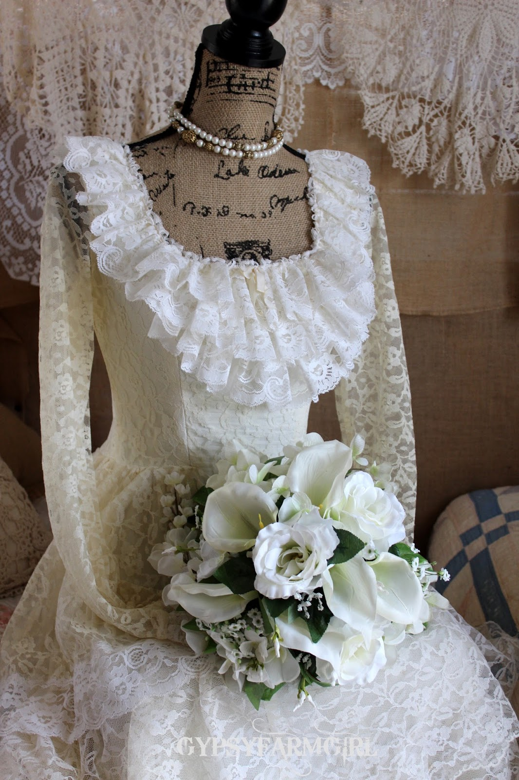calla, roses, and wisteria bridal bouquet