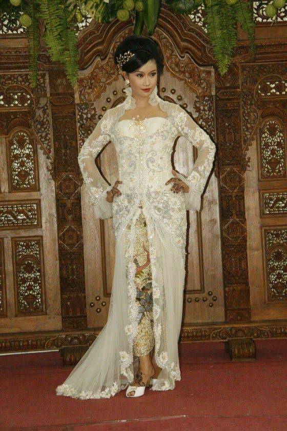 Foto Model Baju Kebaya Putih