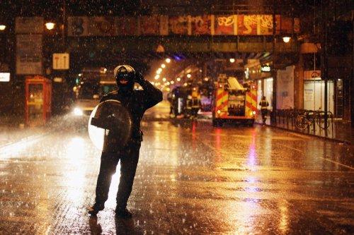 foto-kerusuhan-london-inggris-2011-05