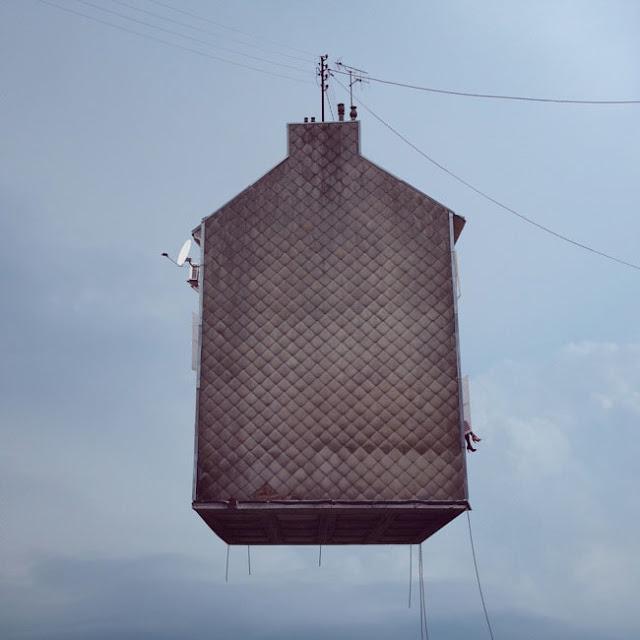 Casas,voladoras,Laurent Chehere,Fying,houses,francia,france,paris,19th, 20th,arrondissement,antena,windows,ventanas