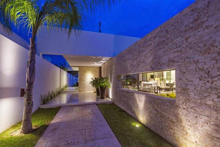 Moderna l neas puras minimalistas casa kopche grupo for Piedras para fachadas minimalistas