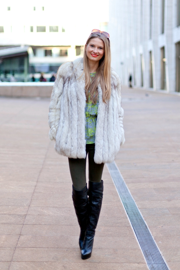 natalie decleve, new york fashion week street style feburary 2013, lincoln center, street style new york, fashion weeek street style, new york stylists, fur coats, tall boots,