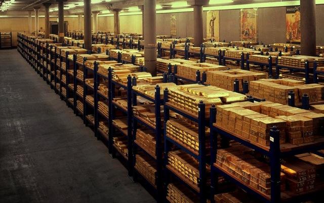http://1.bp.blogspot.com/-2El2XrH2DXQ/UBzLaYWQcnI/AAAAAAAAFSA/a8H98c3tjU0/s1600/gudang+emas.jpg
