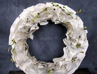Originales Coronas de Navidad con Papel Reciclado