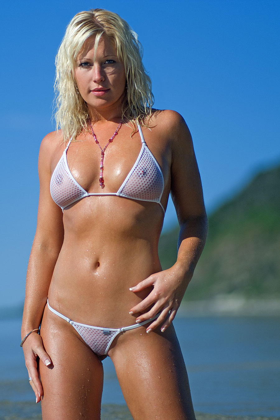 girl's who wear wicked weasel
