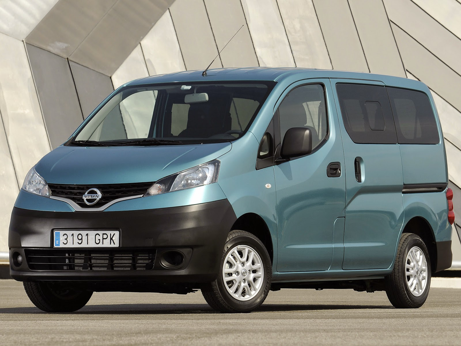 Prezzo Nissan NV200 offerta esempio di finanziamento aprile 2015