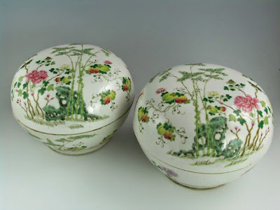 Famille Rose porcelain box Boston collection