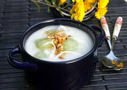 Cassava Sweet Soup with Sticky Rice (Chè Củ Sắn với Nếp)