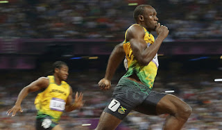 world fastest man Usain bolt wins 200m in London olympics 2012