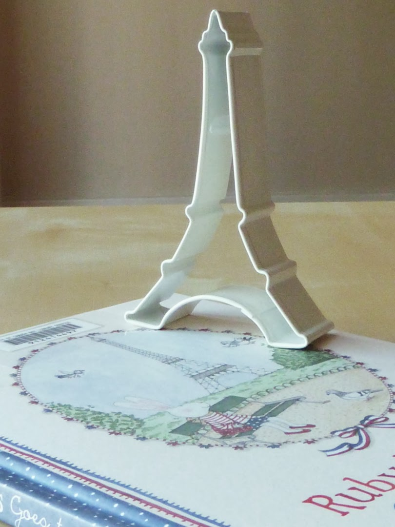 Eiffel cookie cutter
