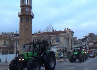 Αποφασισμένοι οι αγρότες στα Γρεβενά. Πληθαίνουν τα τρακτέρ στα μπλόκα [video]