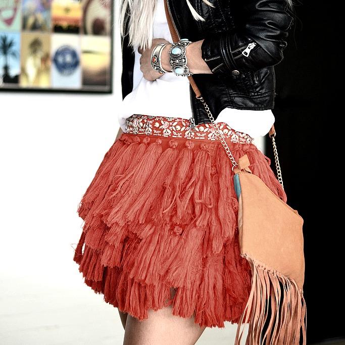festival outfit fringe hat boho bohemian fashionblogger bracelets vintage