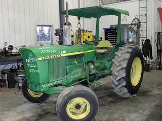 EQ-25309 John Deere 2630 tractor