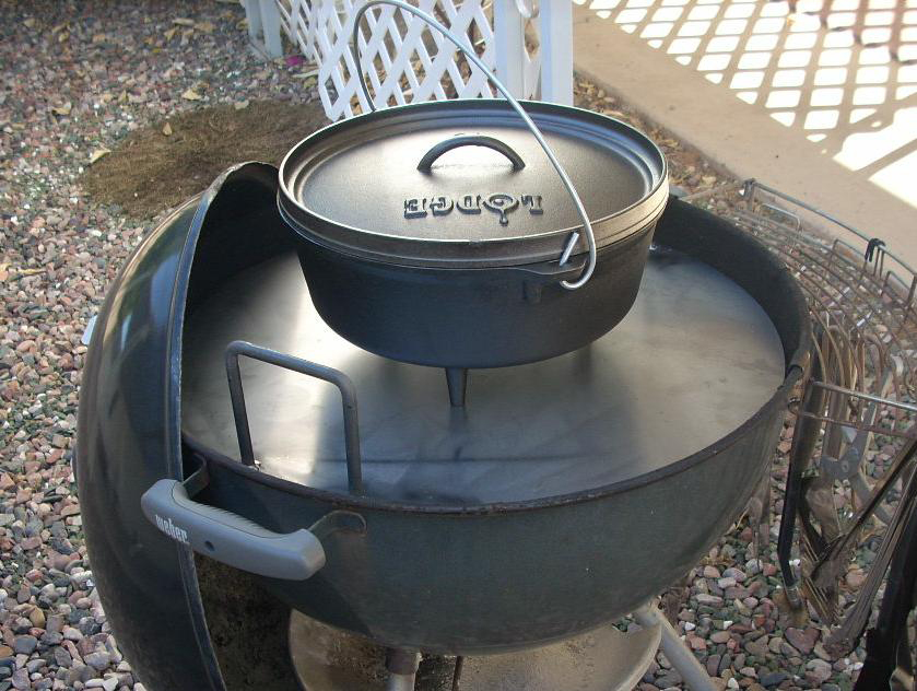 toponautic outdoor news events recipes dutch oven cook table for a weber charcoal grill. Black Bedroom Furniture Sets. Home Design Ideas