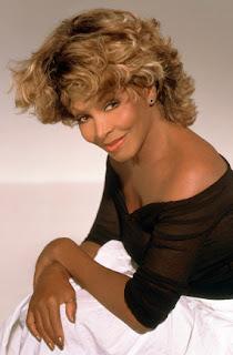 5 Artis Ini Asuransikan Payudara (Tina Turner)