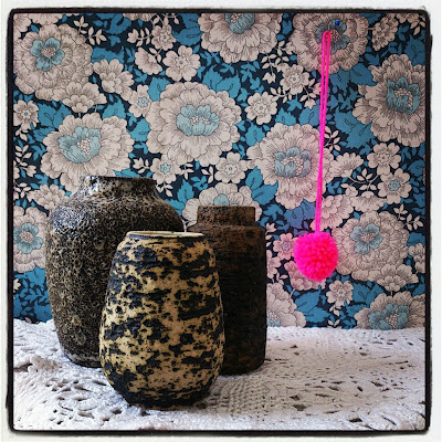 ByHaafner, vase, thrifted, blue wallpaper with flowers, doily, neon pink, pompom, crochet, instagram