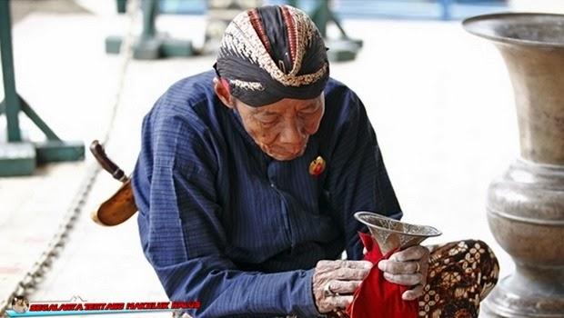 Sepuluh Mitos yang Masih di Percayai oleh Orang Jawa