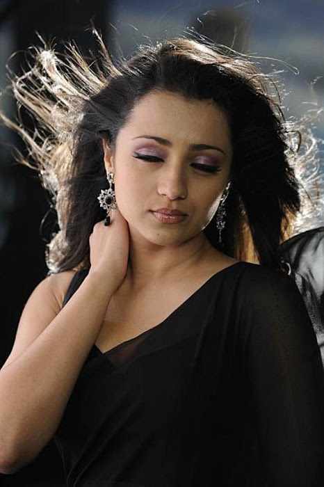 trisha in guard movie black saree ,