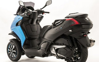 Wow....Peugeot Tenteng Skutik New Metropolis Blue-Line Special Edition!