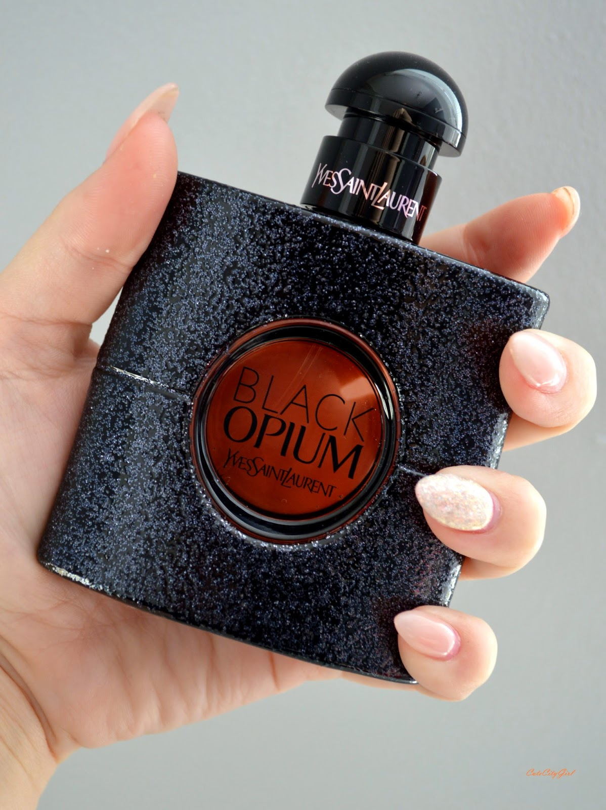 http://cutecitygirl.blogspot.co.at/2014/10/black-opium-by-yves-saint-laurent.html