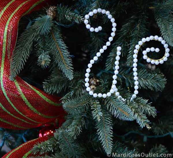 Mardi Gras Beads, Aluminum Wire, How- to, Bead Crafts, Initials, Bead Letters, Christmas Tree