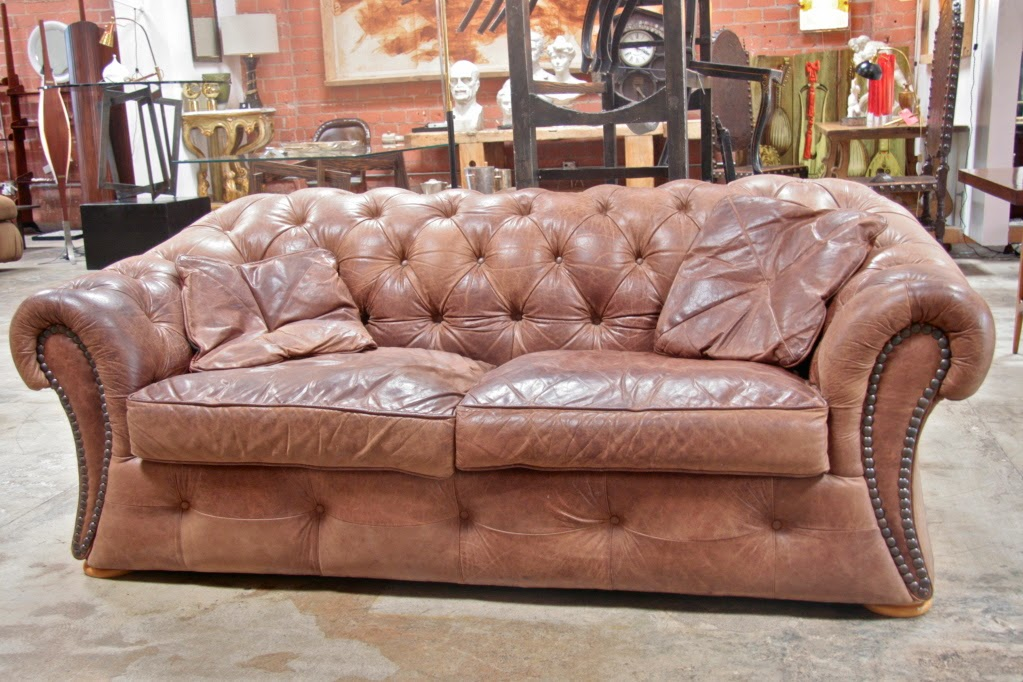Italian 70s Leather Chesterfield Sofa Design2