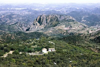 El Peñón de Zaframagón visto desde la Sierra de Líjar