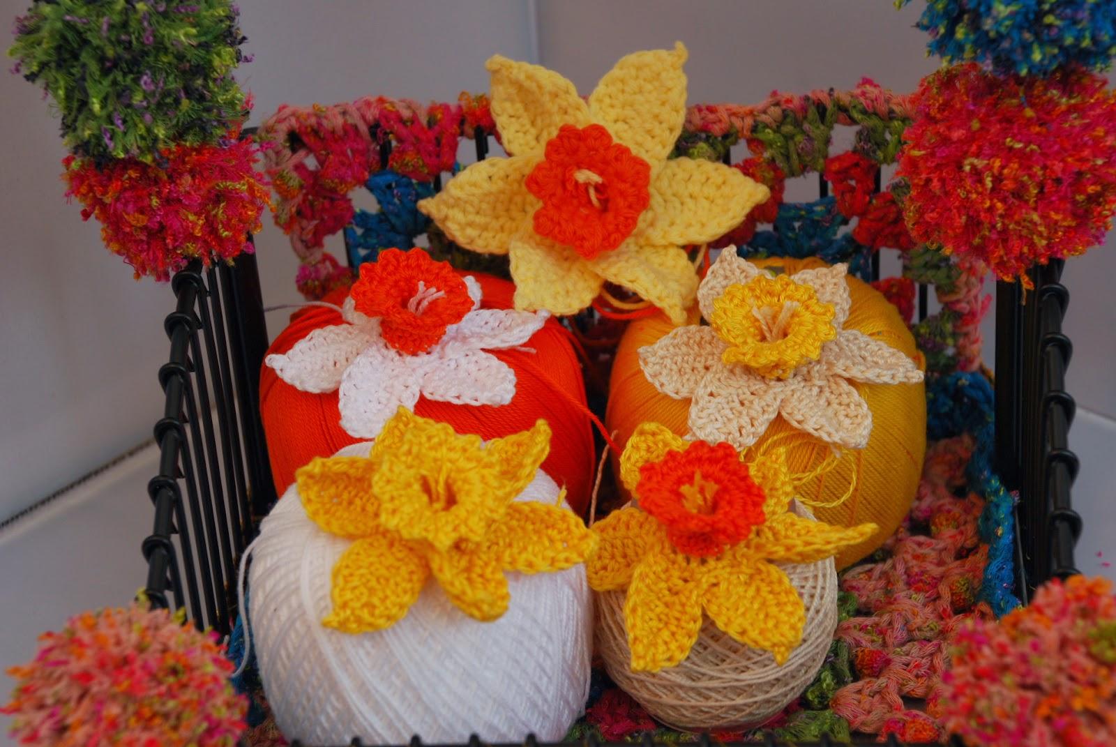 image of Amjaylou's crochet daffodils