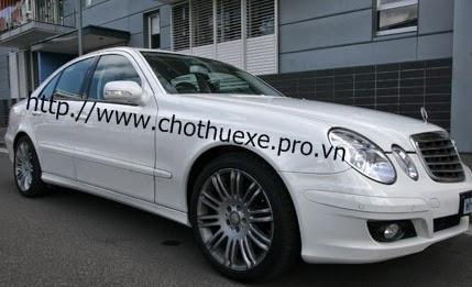 Cho thuê xe cưới Mercedes E280 giá ưu đãi ở Đức Vinh