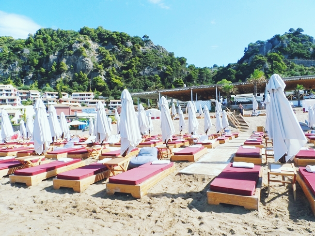 Pazuzu beach bar,Glyfada beach,Corfu.Where to go in Corfu.Best beach bars in Corfu.Gde ici na Krfu.Best travel blog about Greece.